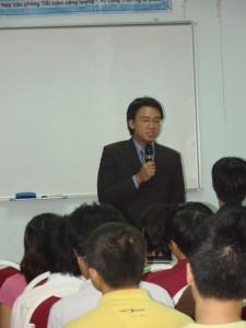 vuot-qua-cac-cam-bay-trong-khoi-nghiep-31-05-2012-3-225x300