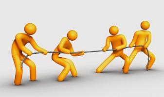 Cạnh tranh hay liên kết với đối thủ