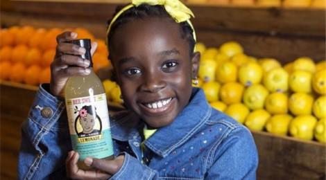 Cô bé 12 tuổi khởi nghiệp vì bị ong đốt
