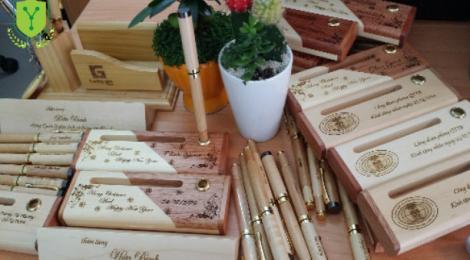 Chuyện khởi nghiệp của ông chủ bút gỗ khắc tên